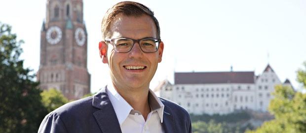 Tobias Birx mit Stadt Landshut im Hintergrund